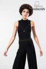 Chaine de poitrine dorée : Chaines métalliques dorées en forme de soutien-gorge, à porter sur le corps nu, sur votre lingerie ou vos tenues préférées.
